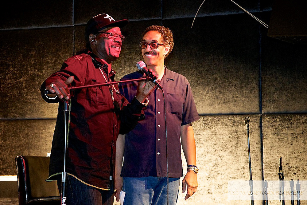 "Redcross calls friday night the Artz and Groove festival's ""soft opening""  Idol-singer Jermaine Jones and Delfonics leadsinger William Hart made an appearance. (Bas Slabbers/for NewsWorks)"